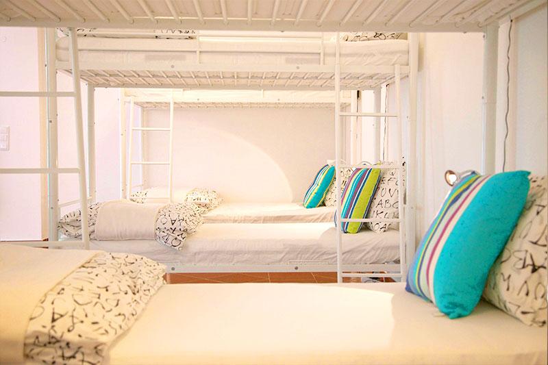 Hostel Mehrbettzimmer Dorm Urlaub preiswert Ericeira Portugal