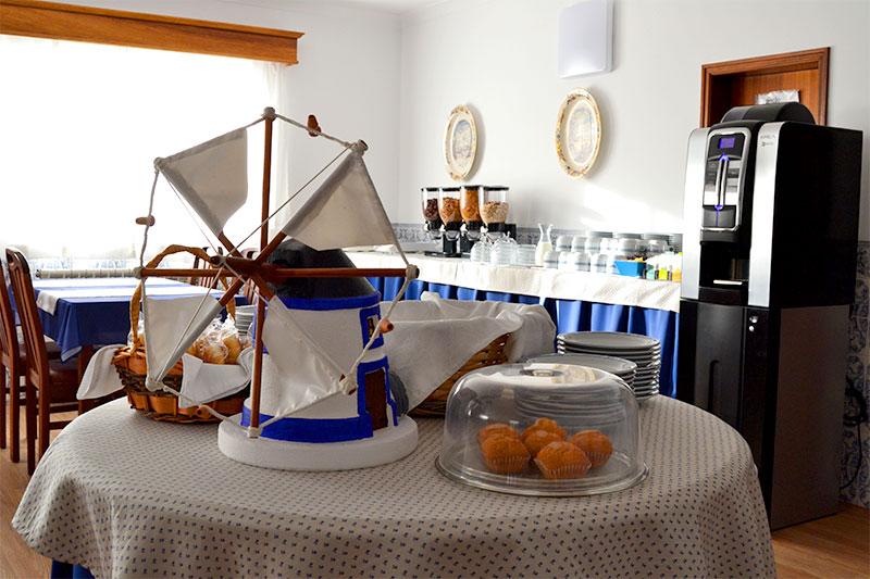 Hotel Doppelzimmer Einzelzimmer Bad Frühstück Ericeira Portugal